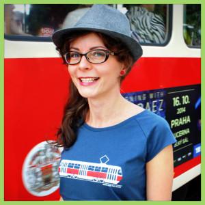 T-shirt-tram-woman