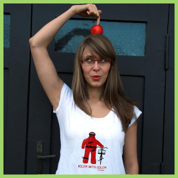 t-shirt-bike-and-golem-woman-prague