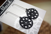 rubberish-earrings-from-recycled-inner-tubes
