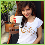 T-shirt-Bike-and-coffee-woman